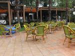 Елегантни и удобни столове от бамбук